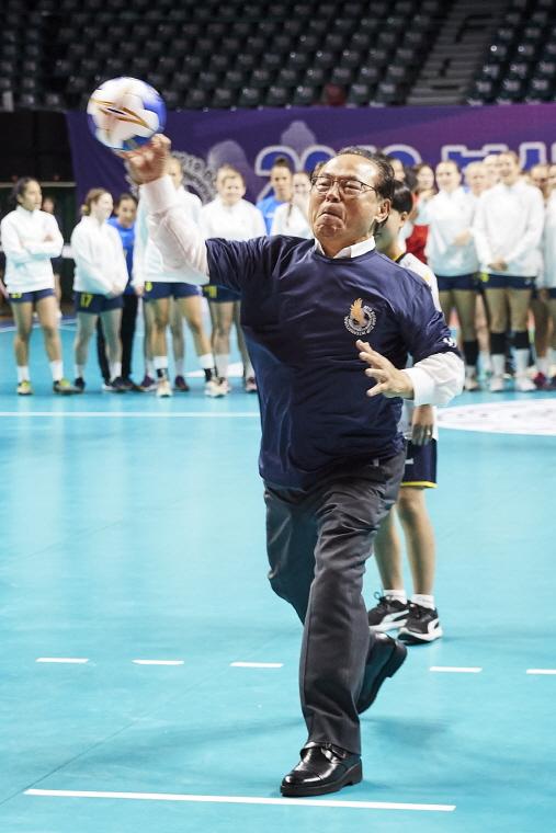 2019 부산컵 국제친선 여자핸드볼대회 개막 이미지2번째