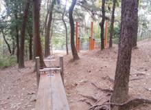 학수천약수터 운동시설 (웰빙계단 옆)