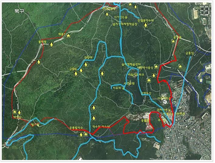 어린이대공원 산책코스는 공원안내센터-덱로드-성지교-백양교-수변공원- 가족친수공간-숲체험하가습센터-사명대사동상-순환도로-만남의광장-학생교육문화회관으로 구성