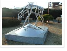 영원의 속삭임-문병탁(2011년) 조각품 사진